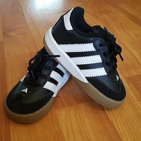 7b517a051 Adidas Shoes | Samba Black White Sport Shoe Size 5 K | Poshmark